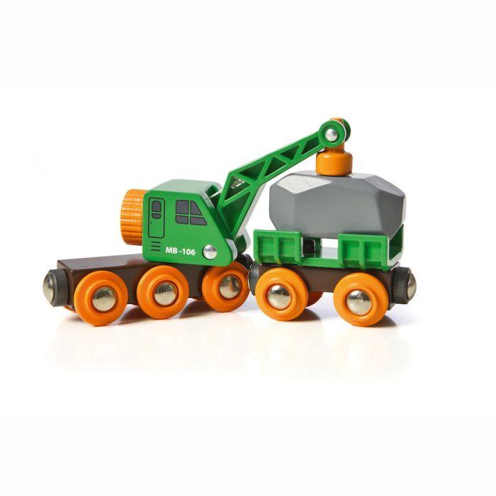 Grüner Kranwagen mit Anhänger und Fracht